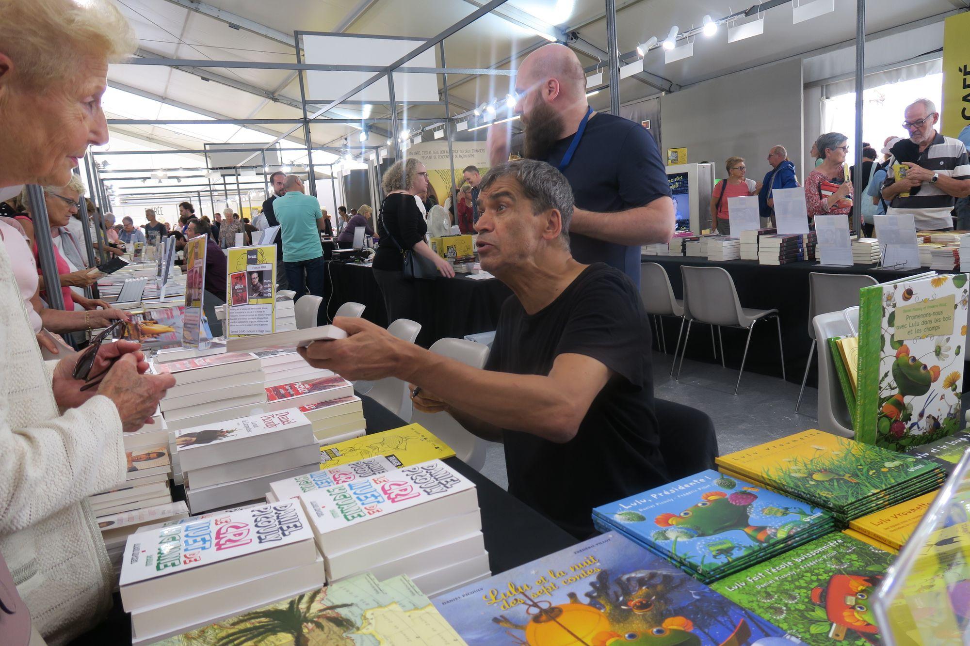 Besançon. Livres dans la Boucle : premiers noms et premiers temps forts